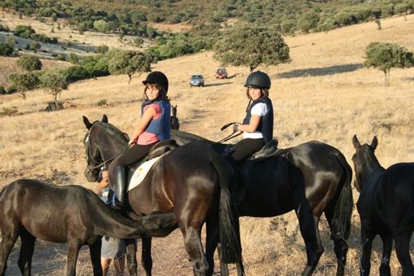 Turismo naturaleza y caza. A caballo