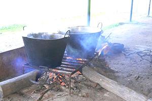 Tradiciones rurales. Cocinando a leña