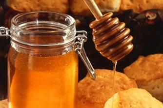 Tradiciones rurales. Recolectando la miel